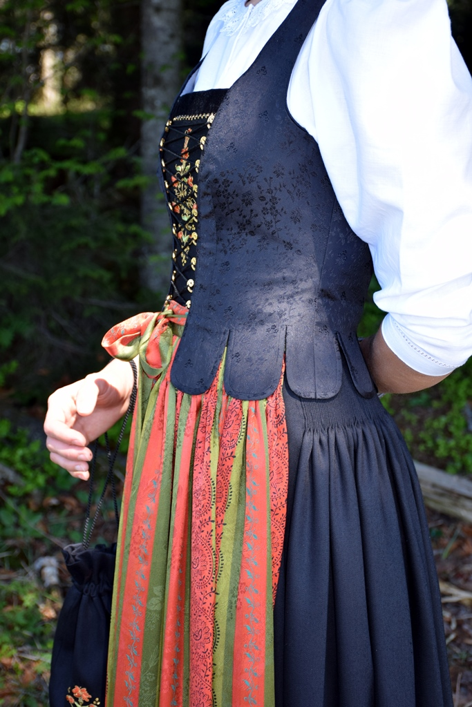 Sulzberger Tracht_3